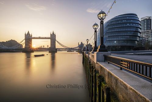 blue london towerbridge sunrise cityhall interesting gold reflections lights pier thames riverthames christinephillips fujifilm xt2 uk brexit brexshit england capitalcity nopeople horizontal calm peace tranquil happiness fresh spring