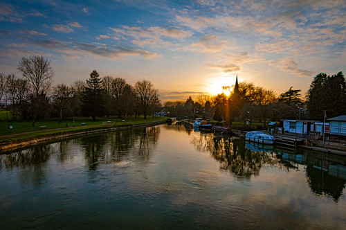 abingdon oxfordshire england englishcountryside sunset evening eveninglight riverthames serene