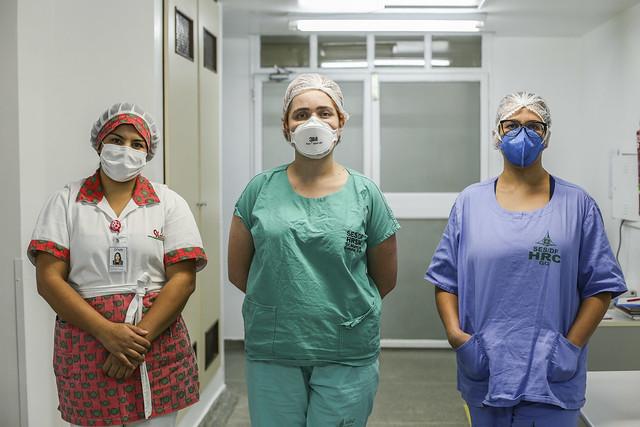 Heroínas da saúde enfrentam o coronavírus para salvar vidas