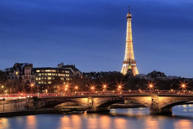 La Tour Eiffel étincelante // Sparkling Eiffel Tower