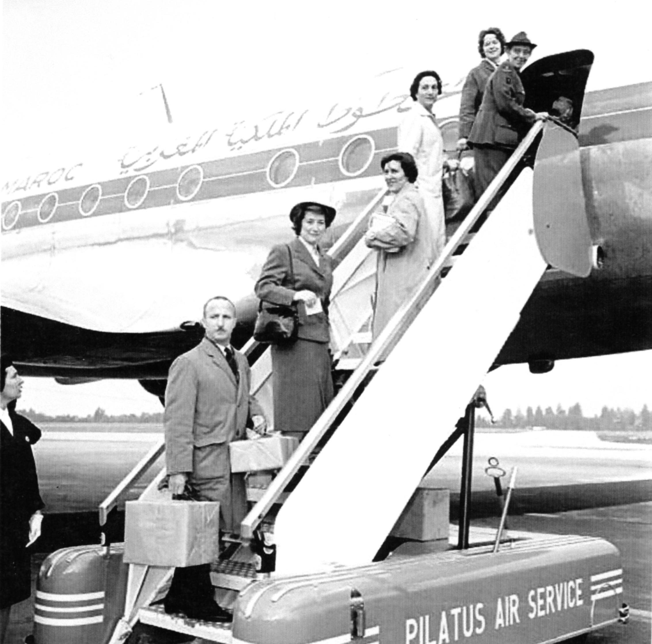 Anciens avions de la RAM - Page 4 51018412751_336b17c003_o_d