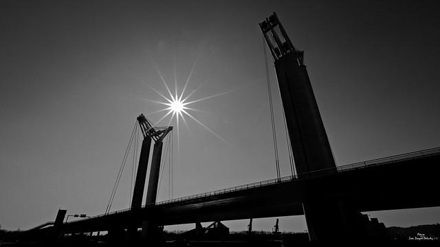 Pont levant, soleil levant