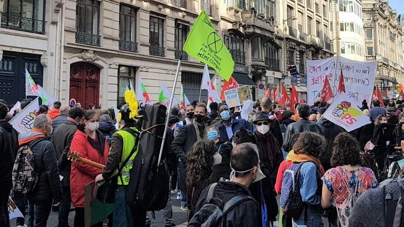 Dans Paris à la marche pour le climat - 28 mars 2021