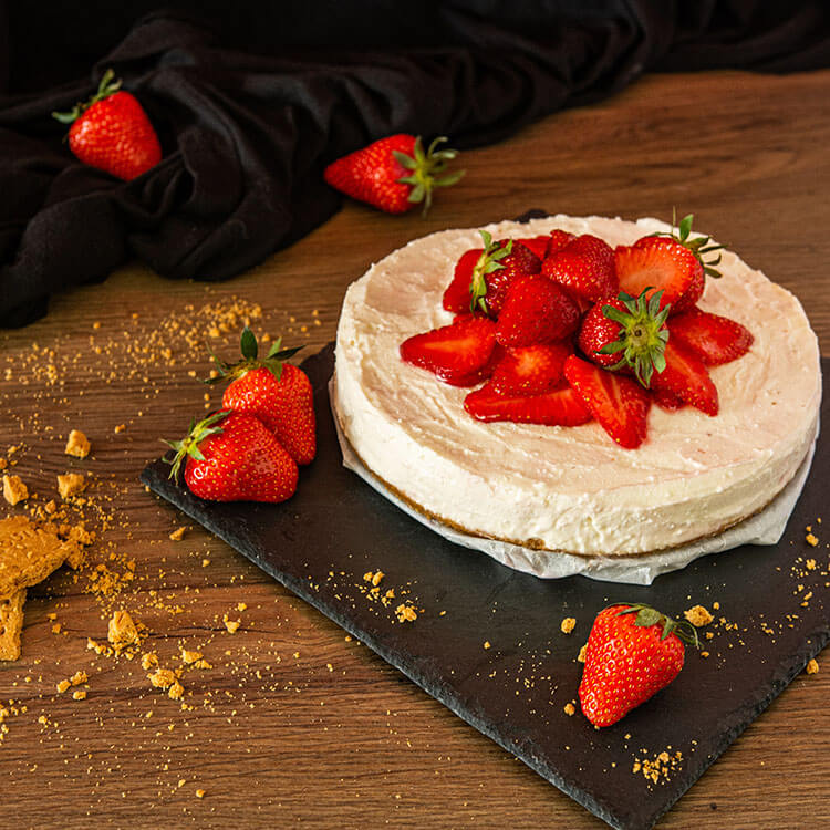 guide on how to bake strawberry cake
