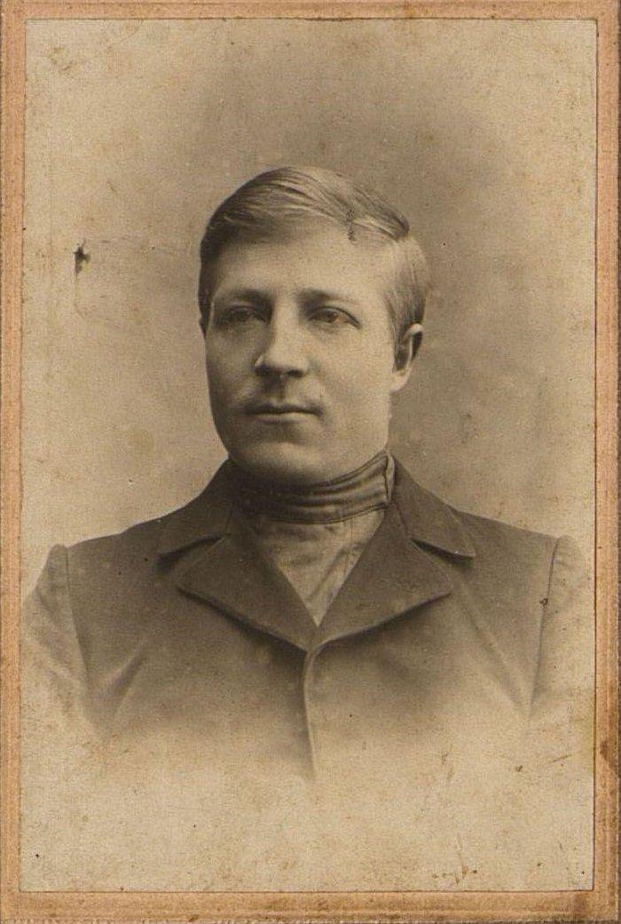 Синтюрин Иван Иванович, слесарь депо станции Рузаевка, участник вооружённого восстания 1905 года.