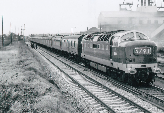 English Electric Napier Type 5 Deltic D9011, later named THE ROYAL NORTHUMBERLAND FUSILIERS, passing Peckfield Colliery