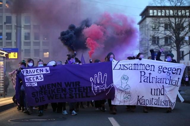 """Feministischer Kampftag am 8. مارس: """"Die Krise steckt im System!"""""""