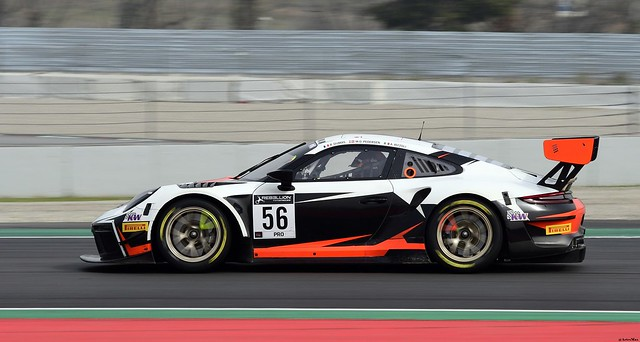 Porsche 911 GT3-R / Romain Dumas / Andrea Rizzoli / Mikkel Pedersen / Dinamic Motorsport
