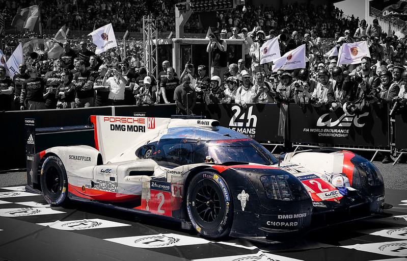 Porsche-Macan-Motorsport-Tribute (3)