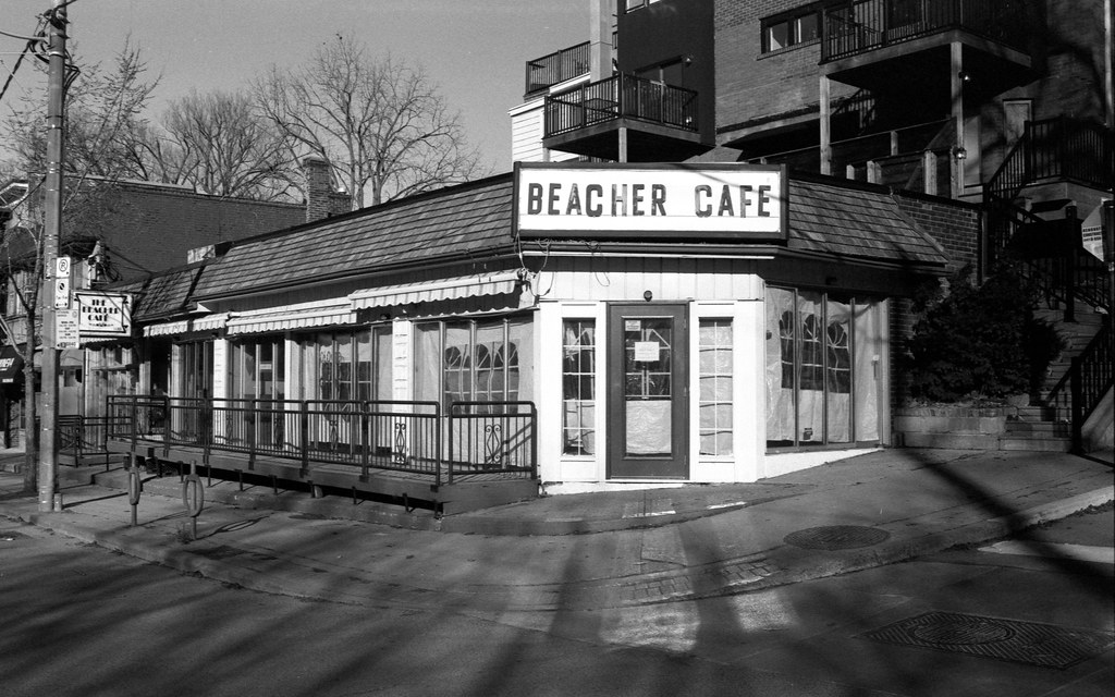 Bearcher Cafe Closed in the Morning_
