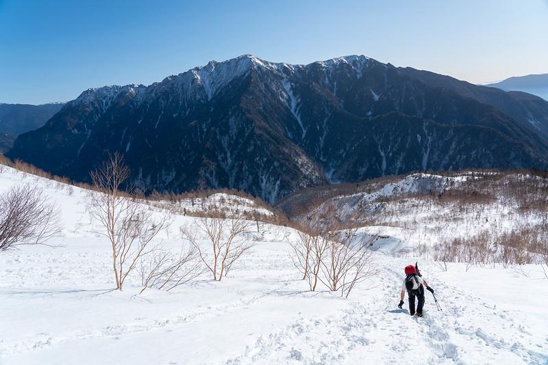焼岳から見える霞沢岳