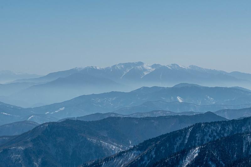 焼岳から中央アルプスの山々