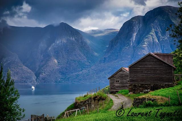 L'Aurlandfjord , à la fois fascinant et inquietant