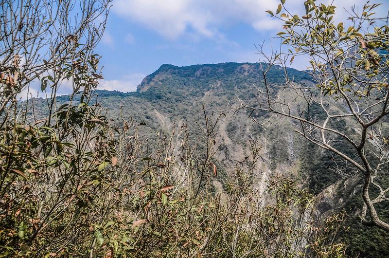 東多納山山頂北望足母山