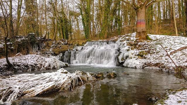 9500 - Waterfall