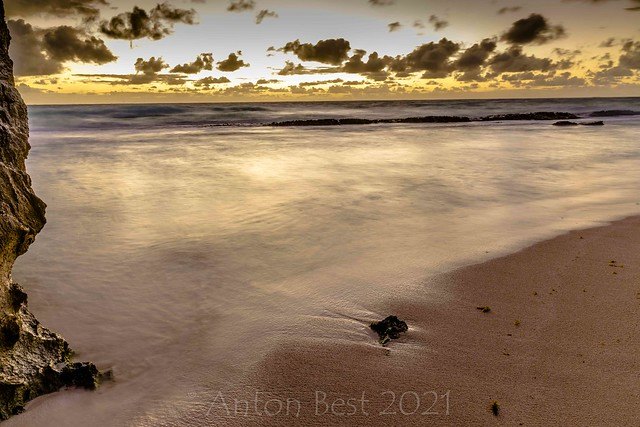 A cAve baY morning 4