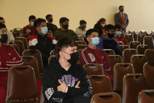 Primer día de clases presencial de los alumnos de 4º medios 2021 del IDB.
