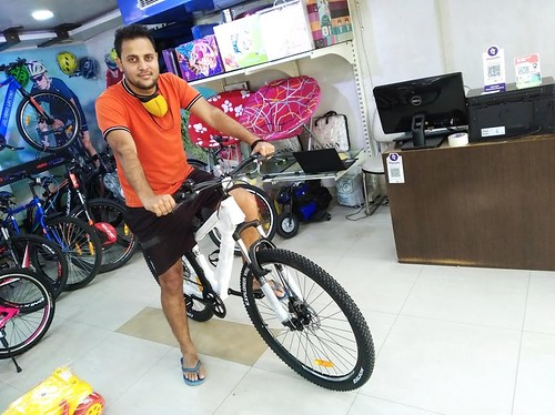 Buy Bicycles from top brands- Gandhi cycles