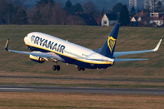 EI-EVF Ryanair B737-800 Birmingham Airport
