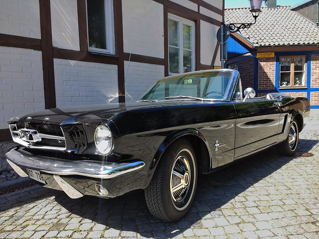 Ford Mustang Convertible 1965 (144947276)