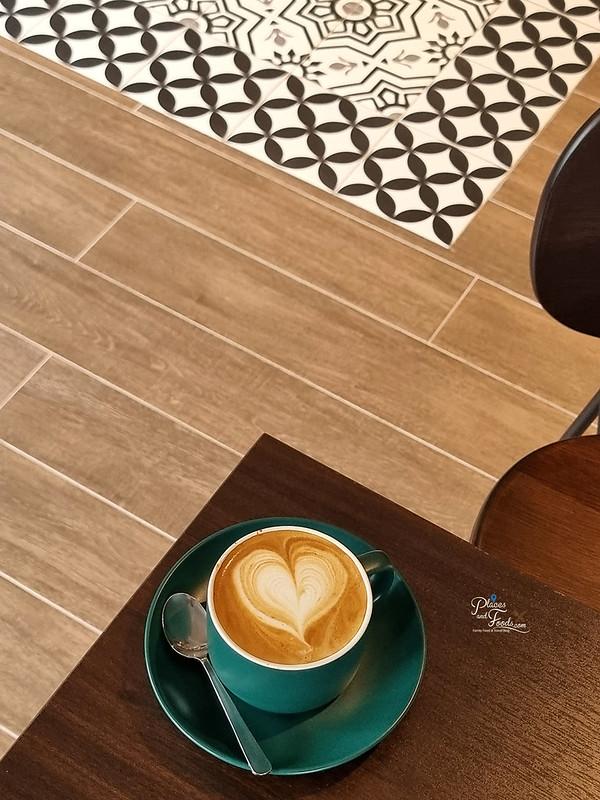 delicieux cafe jade hills cafe latte