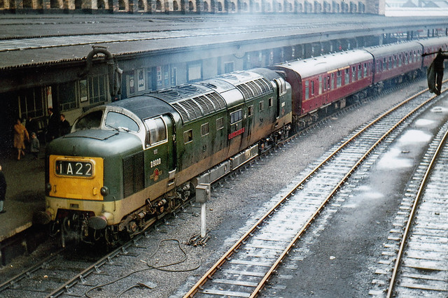 English Electric Napier BR Type 5 Deltic D9000 ROYAL SCOTS GREY at platform 14, York, with a northbound train