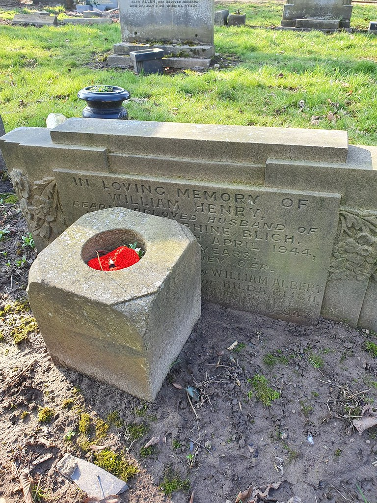 Cheadle and gatley cemetery  Bligh William Albert  private memorial  15.59