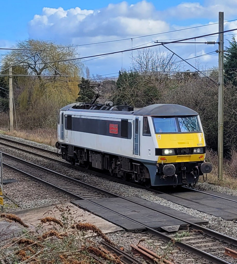 90005 approaching Canley on the return journey from Northampton to Crewe Basford Hall route learning trip. 11/03/2020