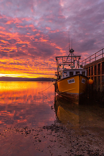 Winter sunrise at Aberdyfi (Explore)