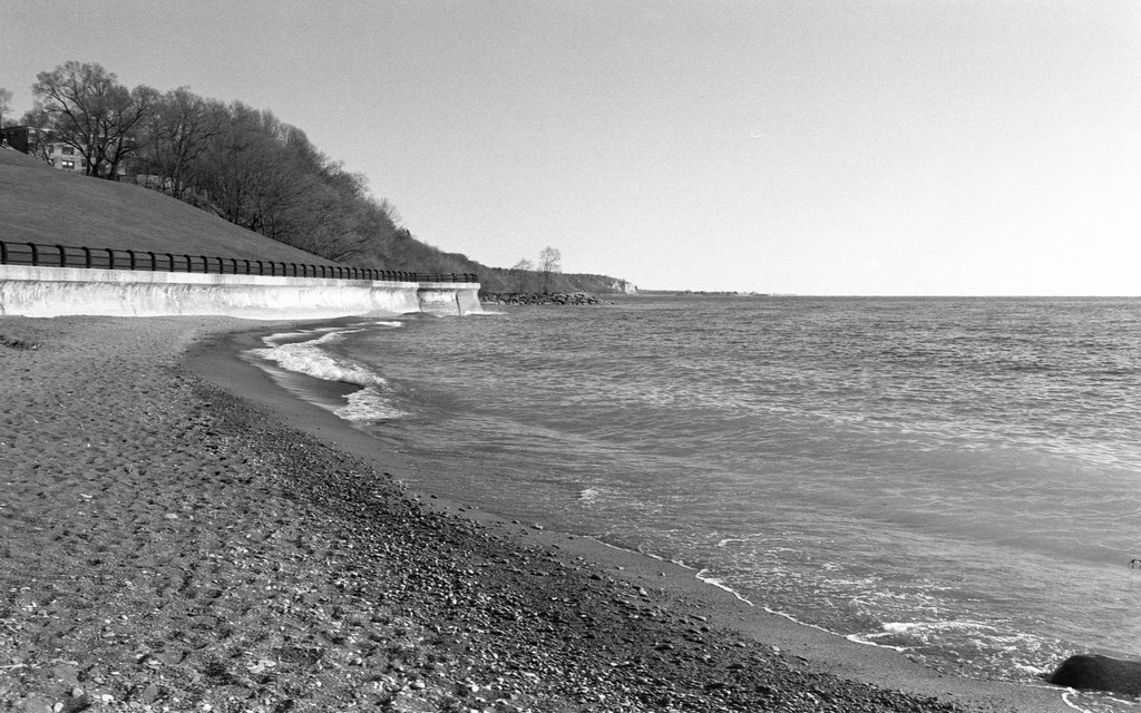 Shoreline over to Bluffer's Park
