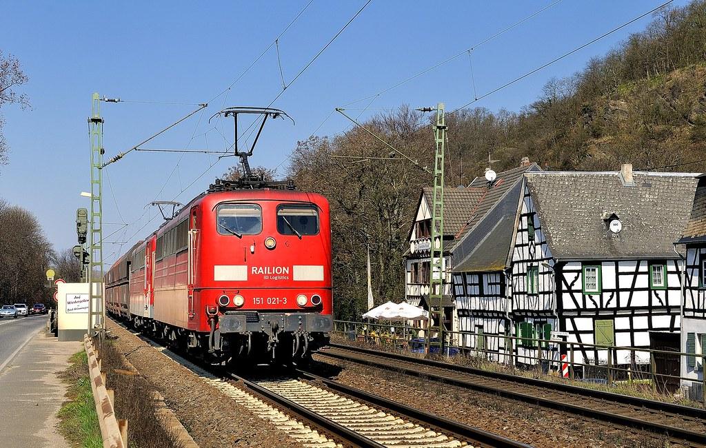 Ariendorf, DB Schenker 151 021-3 + 151 017-1