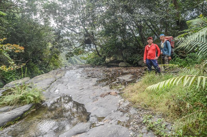 萬安溪支流大岩盤溪谷 (1)