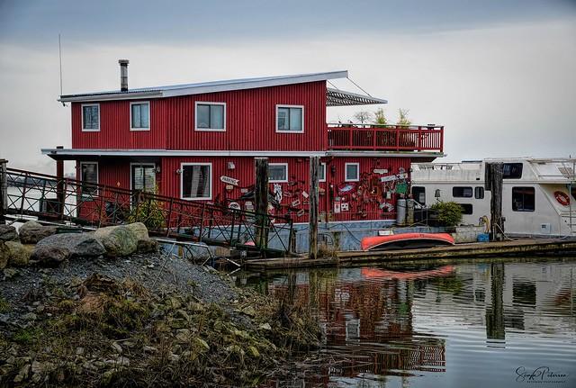 Floating Home - Deas Slough (Ladner)