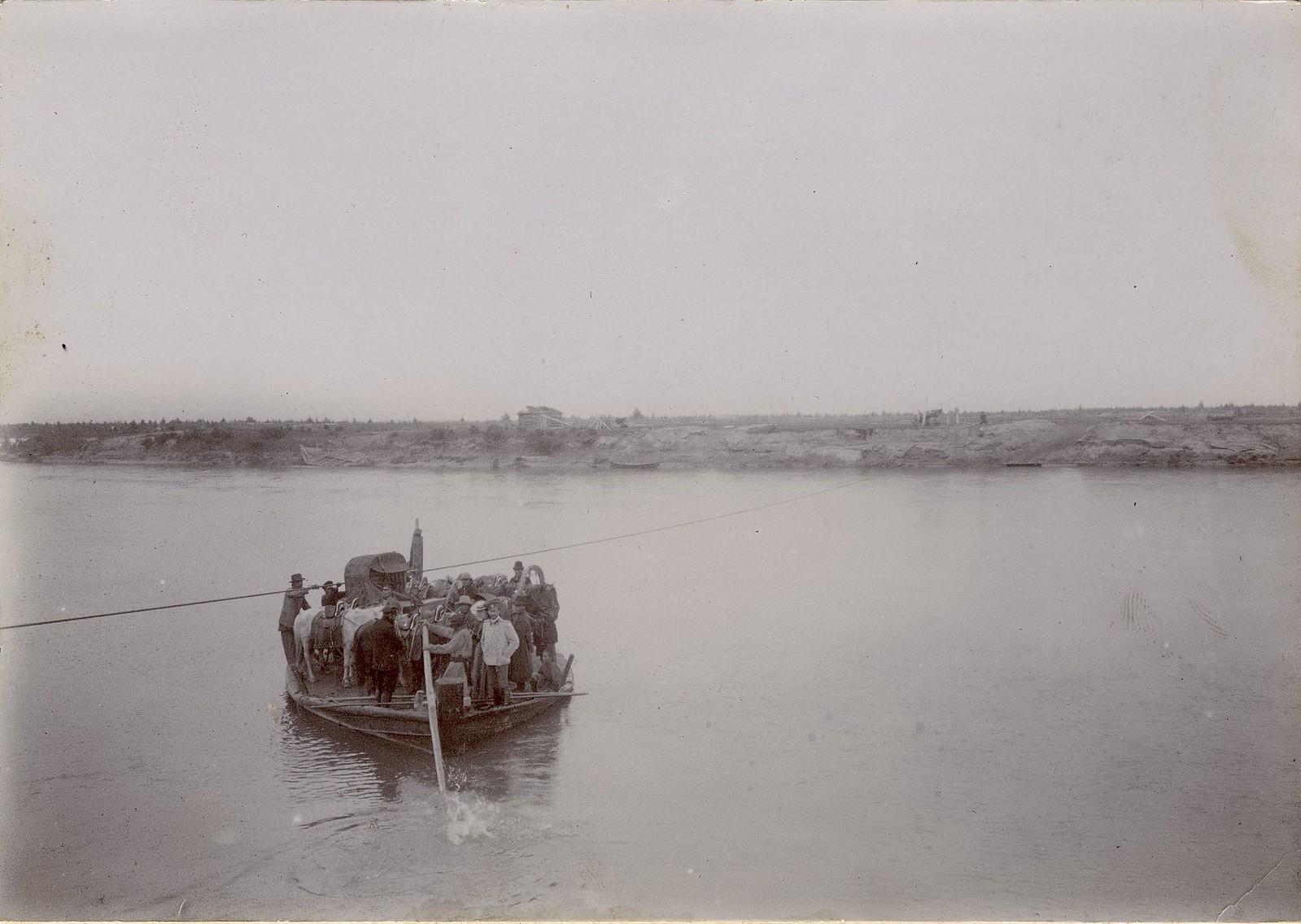 09. Паромная переправа на реке Иркут