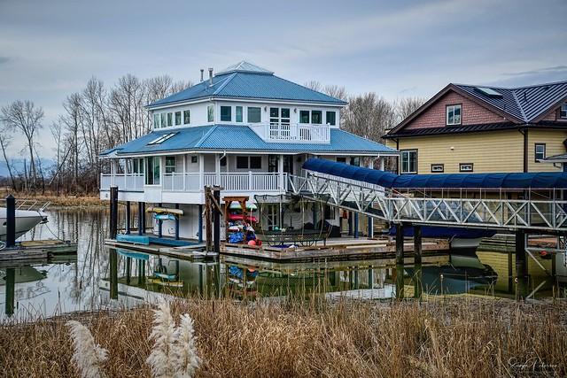 Floating Homes - Deas Slough (Ladner)