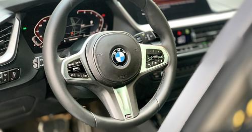 Essai BMW Serie 1 118 M Sport vidéo https://www.youtube.com/watch?v=BSHg25HEZFs