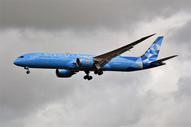 (CDG) Ethiad Airways Boeing 787-9 Dreamliner  A6-BND