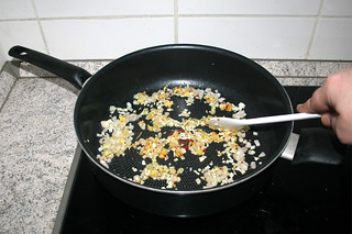 18 - Braise garlic / Knoblauch andünsten