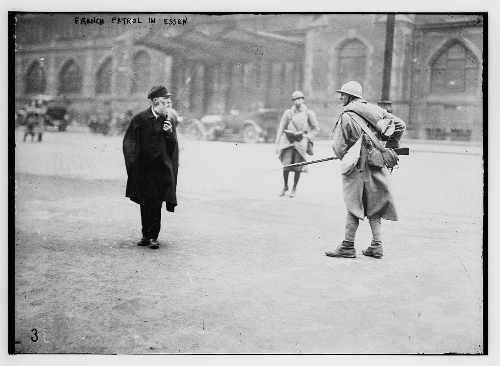 French patrol in Essen (LOC)