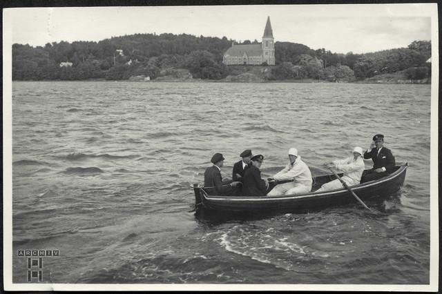ArchivTappen23AAl2g12 Ausbootung in Lyckorna, Uddevalla Fjord, Schweden, 1930er