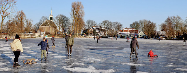 A happy get-together on the ice in Zuiderwoude