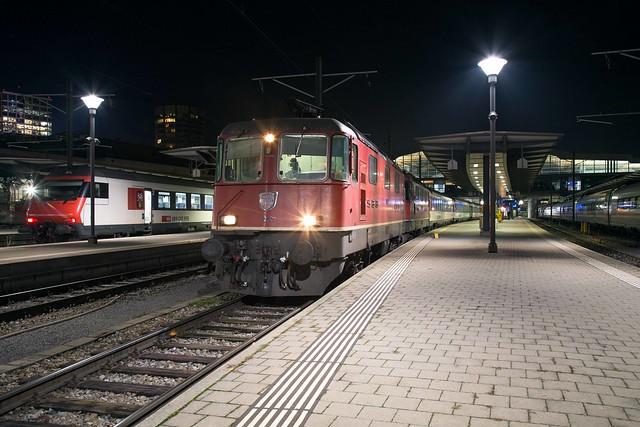 SBB Re 4/4 420 200 + 420 164 Basel SBB
