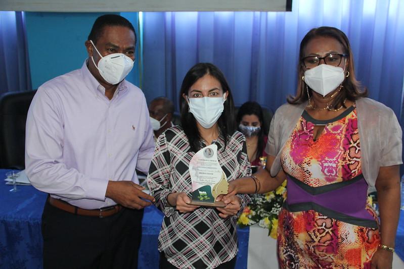 Reconocimiento Ministra de Educación en Esmeraldas