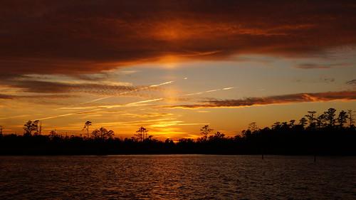 spectacularsunsetsandsunrises sunset sony sonyphotographing sonya58 sunsetsandsunrisesgold sky fairfieldharbour northcarolina northwestcreek sunbeam sunpillar