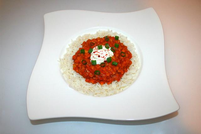 40 - Hot & creamy lentil dal with coconut cream - Served / Scharfes & cremiges Linsen Dal mit Kokosmilch - Serviert