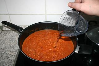 32 - Add water if necessary / Bei Bedarf Wasser dazu geben