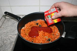 23 - Deglaze with sieved tomatoes / Mit passierten Tomaten ablöschen
