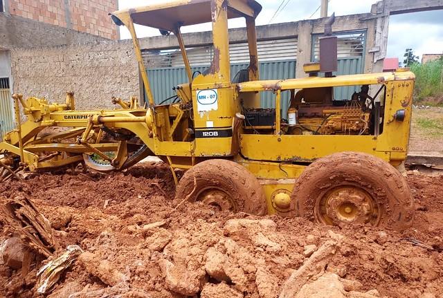Equipes dão fim a erosão em área rural de São Sebastião