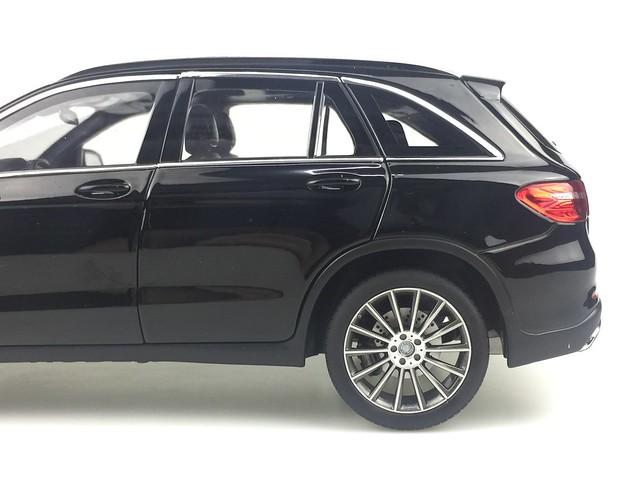 Mo hinh o to GLC Mercedes Benz 1 18 Norev xe hoi car (25)