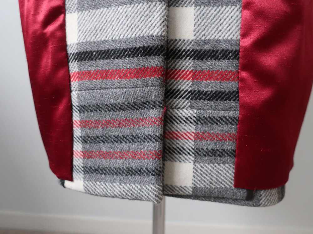 Plaid coat piecing in front facing